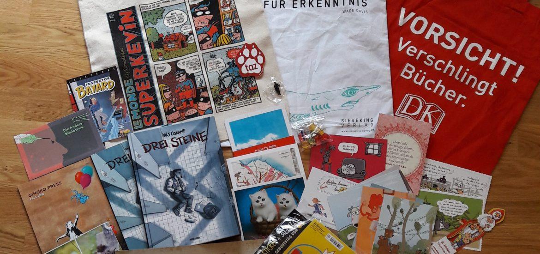 Taschen, Comics, Bücher, Karten