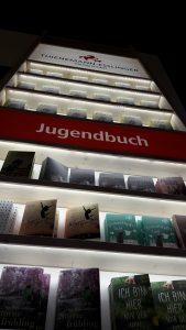 Messeregal von Thienemann-Esslinger mit Beleuchtung