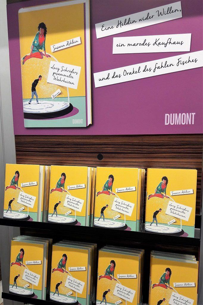 Buchpräsentation am Stand des Dumont Verlags