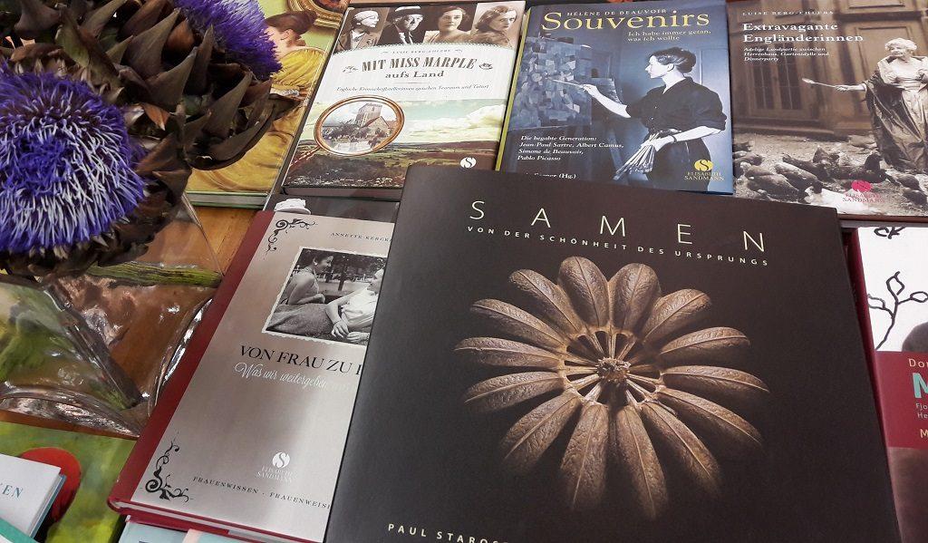 Verschiedene Bildbände am Stand vom Elisabeth Sandmann Verlag