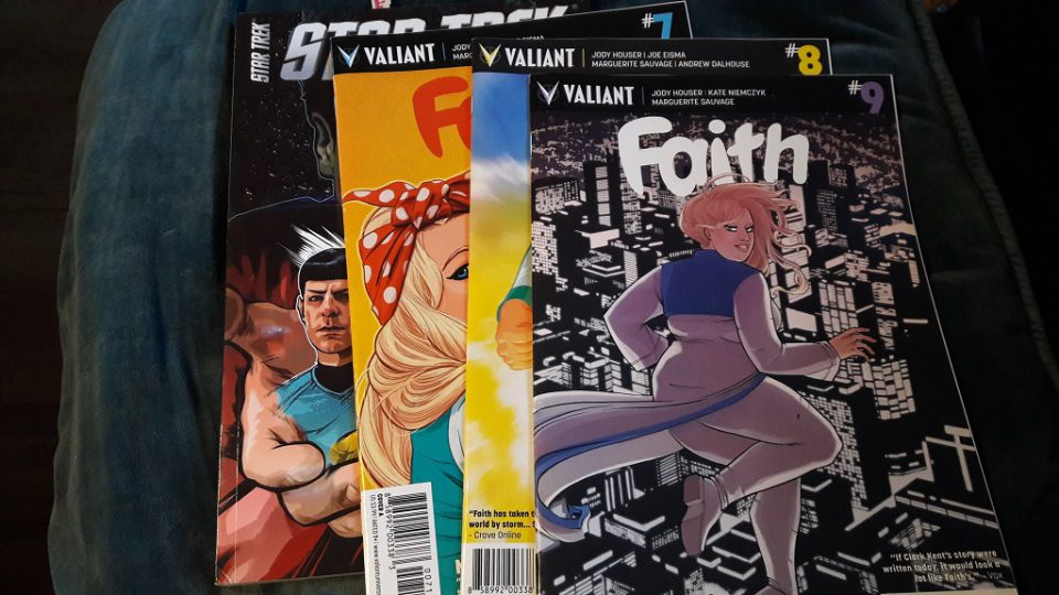 Vier Comics von links Star Trek, Faith 7, 8 und 9.