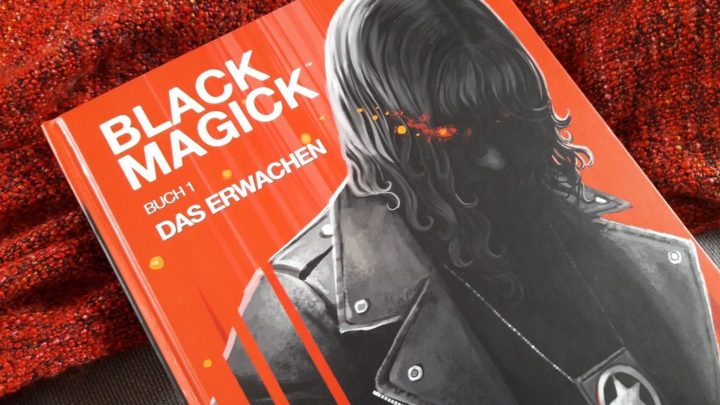 Schwarzhaarige Frau in Motorradjacke vor rotem Hintergrund auf dem Comiccover