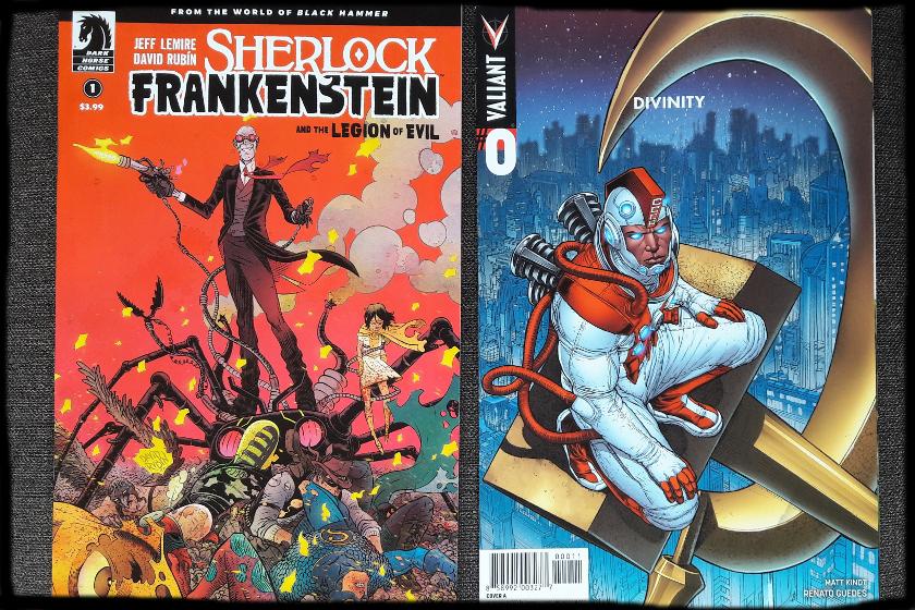 Zwei Comics, links ein verrückter Typ mit Laserkanone auf einem Spinnenroboter, rechts ein Astronaut auf einem Hammersymbol