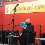 Christian von Aster liest vor der Seraph-Verleihung