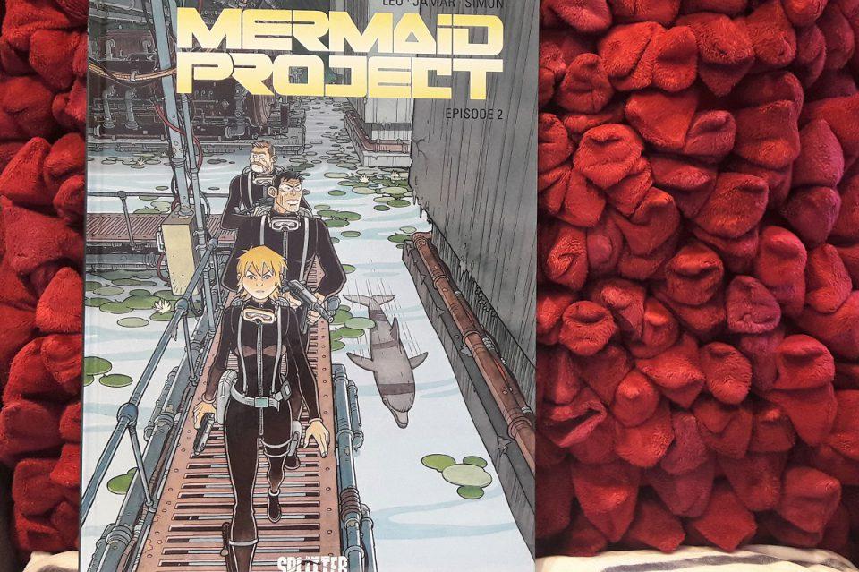 Cover des Comics vor einem roten Hintergrund