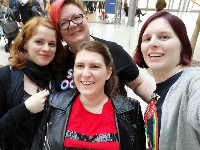 Foto der vier Frauen in der ComicklatschWG