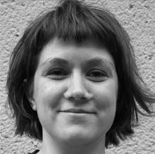 Portrait der Autorin in schwarz-weiß