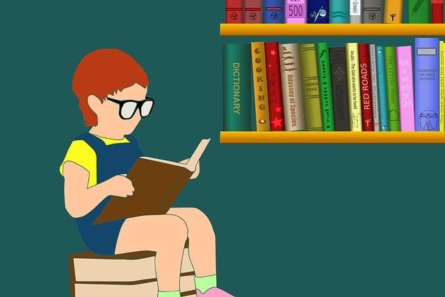 Zeichnung, ein Kind sitzt und liest vor einem Bücherregal