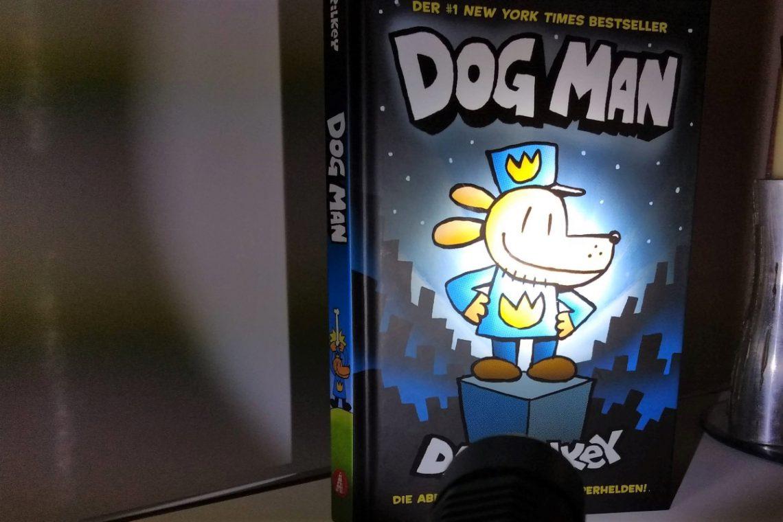 Comic - angeleuchtet von einer Taschenlampe