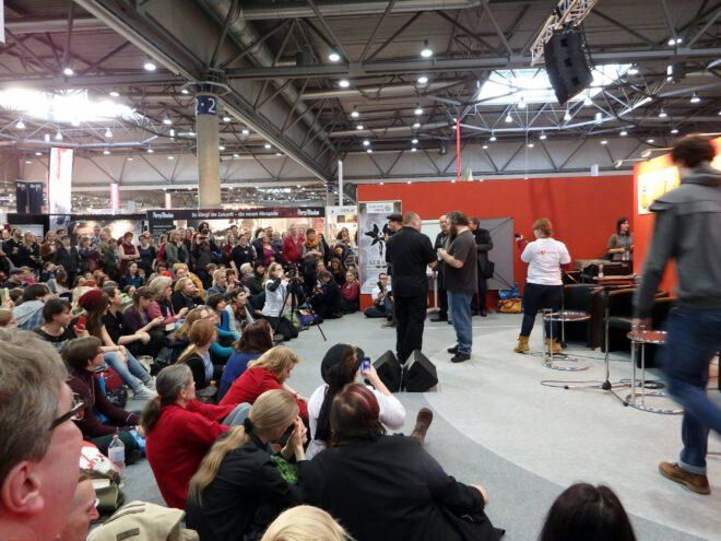 Patrick Rothfuss auf der Leseinsel Fantasy LBM mit Publikum