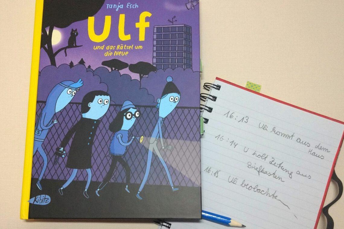 Comic auf dem vier Kinder mit Taschenlampe im Dunkeln zu sehen sind, daneben ein Notizblock