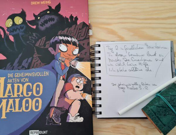 Comic links im Bild, darauf einige Monster und das schwarze Mädchen und ihr weißer Begleiter - rechts daneben ein Notizblock mit einem Zitat aus dem Comic
